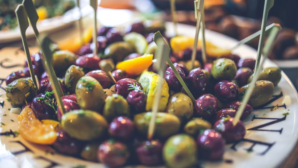 mediterranean diet without olives